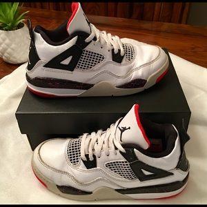 Boy's Nike Jordan 4 Retro Basketball Shoes SZ 1Y